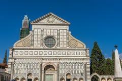 De Kerk Florence Italy van voorgevelfront pillar santa maria novella stock foto's