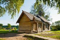 De Kerk in Oud Ladoga royalty-vrije stock afbeelding