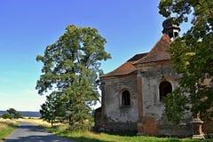 De kerk ruïneert St Barbora in het westen Czechia Stock Afbeeldingen
