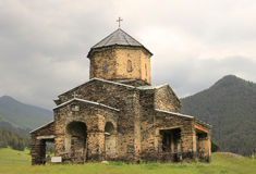 De kerk in Shenako-dorp, Tusheti-gebied (Georgië) royalty-vrije stock foto's
