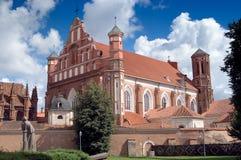 De Kerk van Bernardine in Vilnius stock afbeeldingen