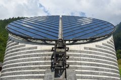 De kerk van beroemde architect Mario Botta in Mogno, Zwitserland stock fotografie