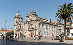 De kerk van Carmo en Carmelitas-kerk van Porto Portugal op zonnige dag royalty-vrije stock afbeeldingen