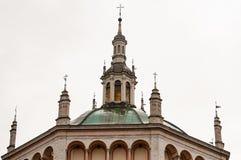 De kerk van Crespi D ` Adda, in Italië, is een exemplaar van de school van Bramante van de Renaissancekerk in Busto Arsizio stock afbeeldingen