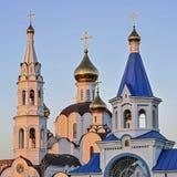 De Kerk van de Pyatiprestolnydrievuldigheid in Iver-klooster in Rostov - - D Stock Foto