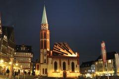 De Kerk van Frankfurt St. Nicolaus in Vierkant Romer royalty-vrije stock foto's