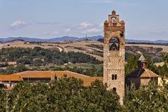 De kerk van Heilige Agatha in Asciano Stock Afbeeldingen