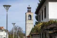 De Kerk van de Heilige Drievuldigheid - centreer Bansko stock afbeeldingen
