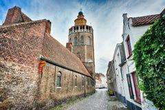 De kerk van Jeruzalem en bedekte straat stock foto