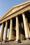 De kerk van Madeleine in Parijs (Frankrijk) Stock Afbeeldingen