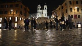 De kerk van Monti van Trinitadei, het Spaanse stappen en vierkant van Spanje stock videobeelden