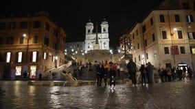De kerk van Monti van Trinitadei, het Spaanse stappen en vierkant van Spanje stock video