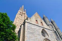 De kerk van Onze Dame in Brugge, België stock fotografie