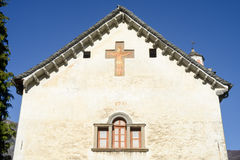 De kerk van San Michele in Palagnedra op Centovalli-vallei Stock Afbeelding