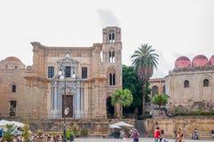 De kerk van Santa Maria-dell ` Ammiraglio, riep algemeen Martorana en San Cataldo in Palermo Stock Foto