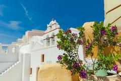 De kerk van Santorini Stock Afbeelding