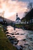 De Kerk van St Sebastian, Ramsau-bei Berchtesgaden Stock Afbeeldingen