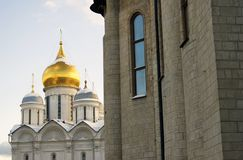 De kerken van Moskou het Kremlin De foto van de kleurenwinter Stock Afbeelding