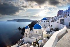 De Kerken van Santorini in Oia, Griekenland Stock Fotografie