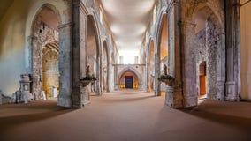 De Kerkschepen en het hoog-koor van Sao Francisco Convent royalty-vrije stock foto