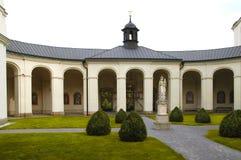 De kerktuin van Krtiny Royalty-vrije Stock Afbeeldingen