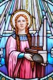 De kerkvenster van het gebrandschilderd glas Stock Foto's