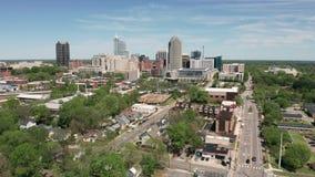 De Kern van het Noordencarolina downtown city skyline urban van Greensboro stock videobeelden
