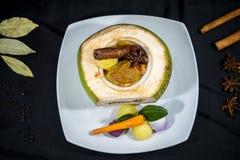 De kerrie van rundvleesindia in kokosnoot, Thaise keuken stock afbeelding