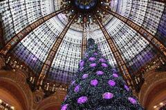 De Kerstboom in Galeries Lafayette, Parijs Royalty-vrije Stock Afbeeldingen