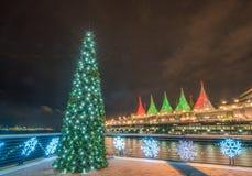 De kerstboom steekt decoratie aan Royalty-vrije Stock Afbeeldingen
