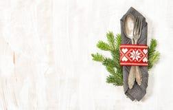 De Kerstboom van de lijstdecoratie vertakt zich Vakantiemenu royalty-vrije stock foto