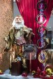 De Kerstman in een gouden kleding Royalty-vrije Stock Foto