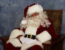 De Kerstman heeft een dutje Stock Foto's