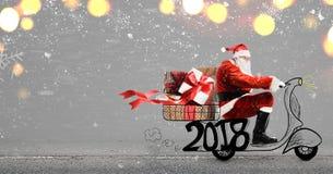 De Kerstman op autoped Stock Afbeelding
