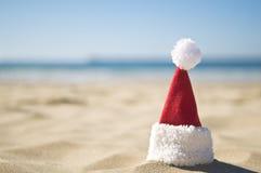 De kerstman is op een de zomervakantie Royalty-vrije Stock Afbeeldingen