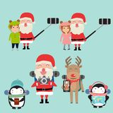 De Kerstman selfie met kinderen en rendier ijsbeerpengui vector illustratie