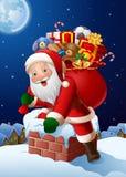 De Kerstmisachtergrond met Santa Claus gaat een huis door de Schoorsteen in royalty-vrije stock afbeelding
