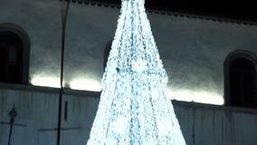 De Kerstmislichten bieden altijd een phantasagorical atmosfeer FDV aan stock video