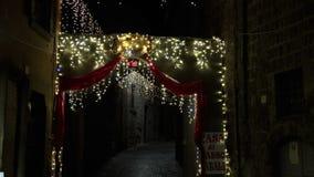De Kerstmislichten bieden altijd een phantasagorical atmosfeer FDV aan stock footage