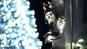 De Kerstmislichten bieden altijd een warmteatmosfeer FDV aan stock footage