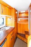 De keuken van de kampeerauto Stock Fotografie