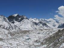 De Khumbu-Gletsjer Stock Afbeeldingen