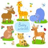 De kinderachtige achtergrond van Nice Giraf, Bever, Kat, Hippo, Elanden, Herten Naadloos vectorpatroon Stock Afbeeldingen