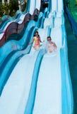 De kinderen in aqua parkeren Royalty-vrije Stock Fotografie