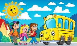 De kinderen door school vervoeren themabeeld 2 per bus stock illustratie
