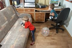 De kinderen interesseren Stock Fotografie