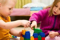 De kinderen spelen Stock Afbeelding