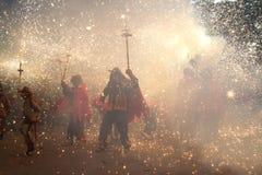 De kinderen steken Looppas in brand Stock Afbeelding