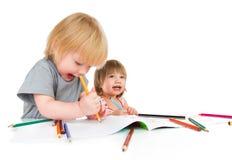 De kinderen trekt potlood royalty-vrije stock foto's