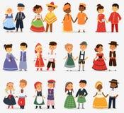 De kinderen van Lttlejonge geitjes koppelt karakter van de meisjes en de jongens van de wereldkleding in verschillende traditione vector illustratie